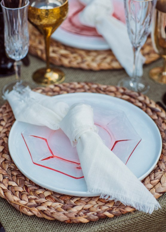 How to Decorate A Tropical Wedding for Your Home or Backyard – Light and Space – Bright Bird Photography 34