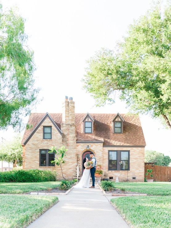 Intimate Summer Cottage Wedding – Rachel Ann Media 15