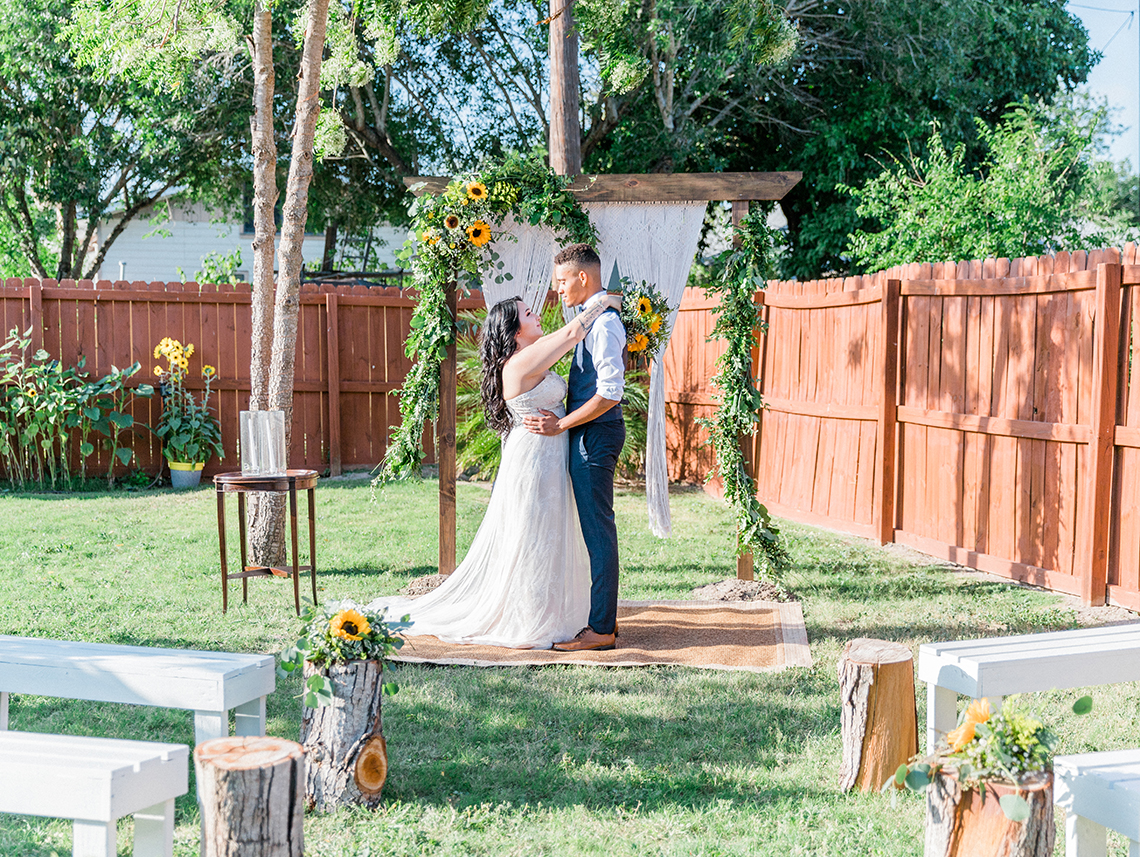 Intimate Summer Cottage Wedding – Rachel Ann Media 32