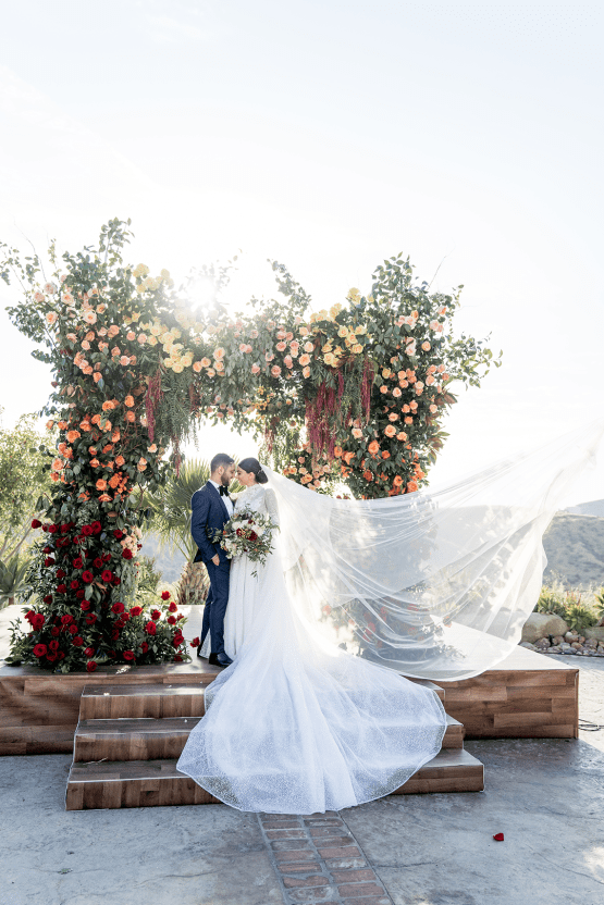 Luxurious Hummingbird Nest Ranch Jewish Wedding – Katie Beverly 46