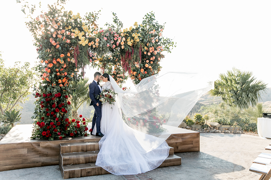 Luxurious Hummingbird Nest Ranch Jewish Wedding – Katie Beverly 9