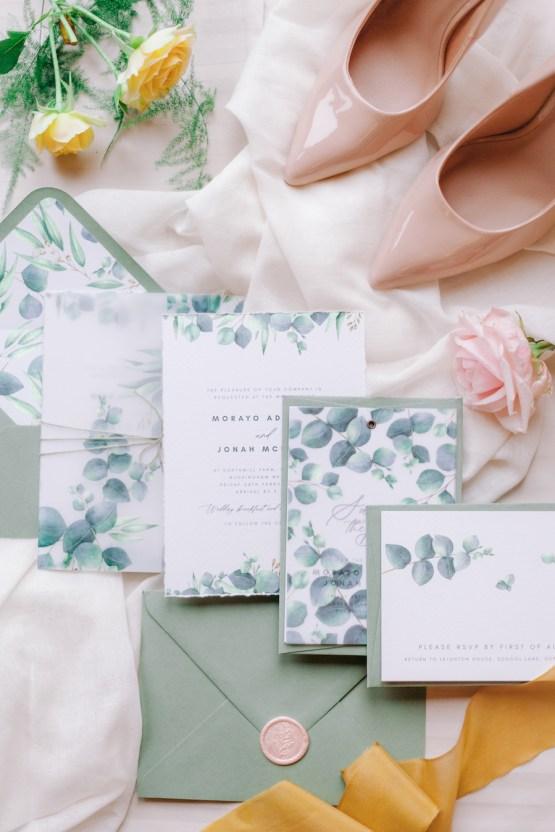 Rustic UK Barn Wedding Inspiration – Elsie Love Photography – Kimberley Rose Designs 3