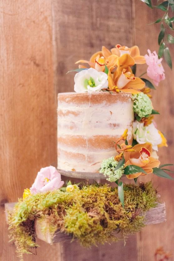 Rustic UK Barn Wedding Inspiration – Elsie Love Photography – Kimberley Rose Designs 41