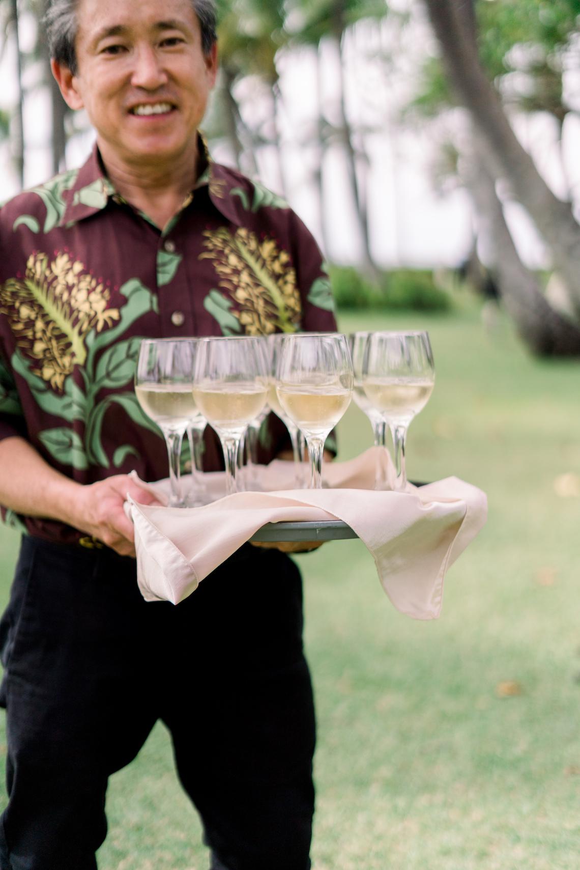 Elegant Sage Green Hawaii Destination Wedding – Etcetera Photo 13