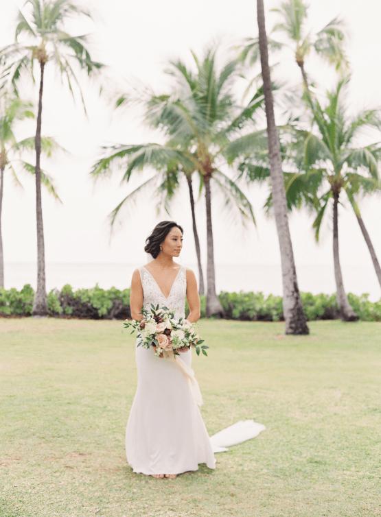 Elegant Sage Green Hawaii Destination Wedding – Etcetera Photo 20