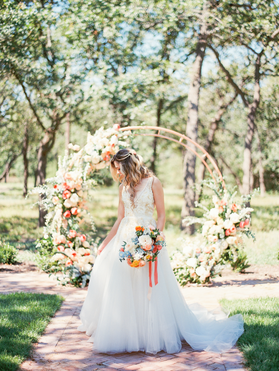 Zesty Citrus Wedding Ideas – The Grand Lady – Texas Wedding – Kristin La Voie Photography 24