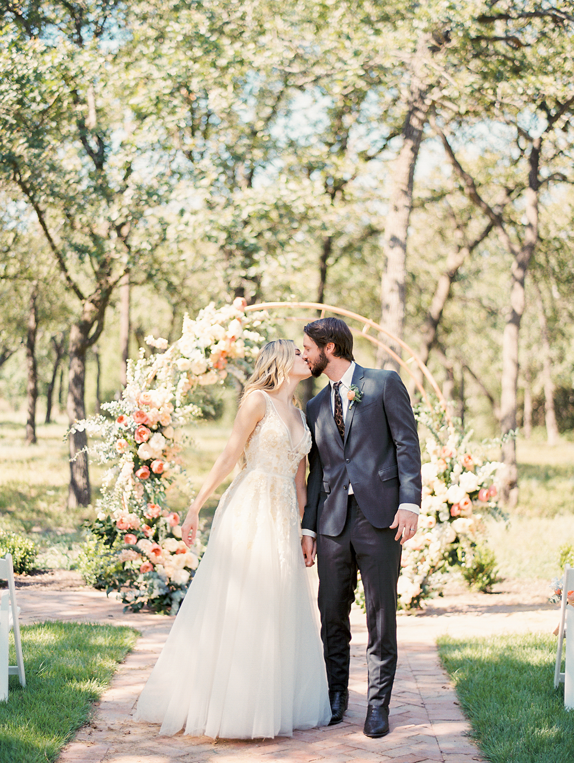 Zesty Citrus Wedding Ideas – The Grand Lady – Texas Wedding – Kristin La Voie Photography 39
