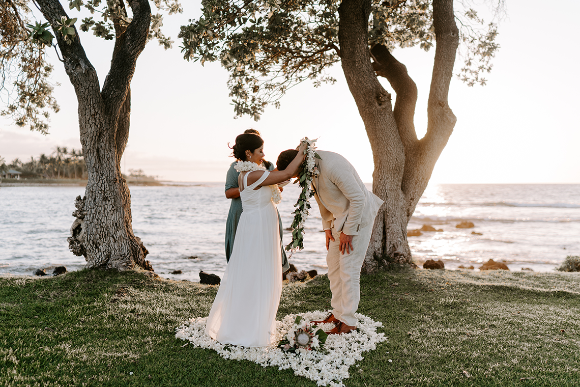 All-White Hawaiian Sunset Elopement – Aloha Zoe Photography 30