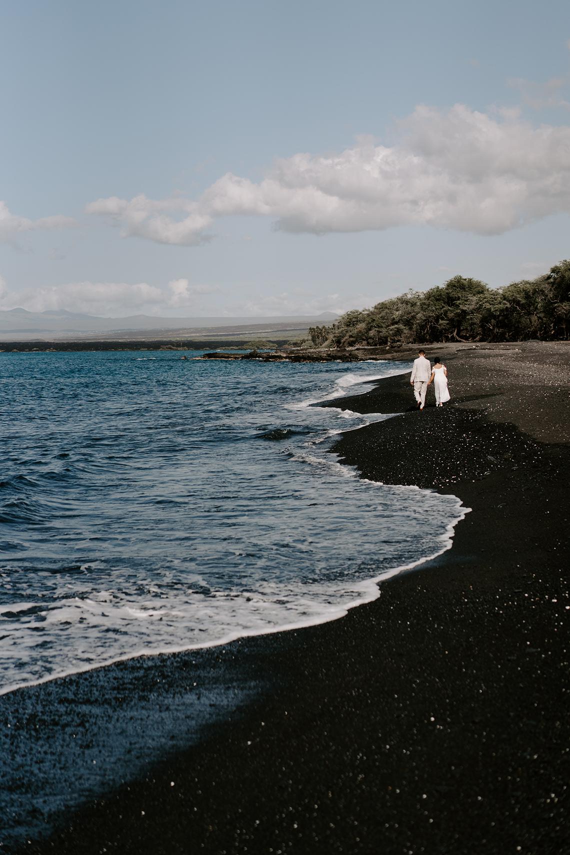 All-White Hawaiian Sunset Elopement – Aloha Zoe Photography 9