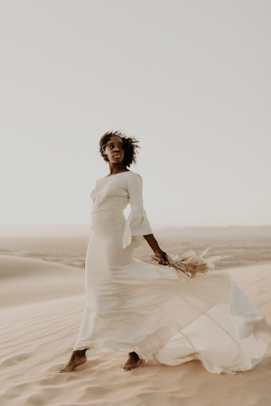 Desert Sand Dune Wedding Inspiration with Natural Hair Ideas for Black Brides – Tor Hawley – The LAW Bridal 49