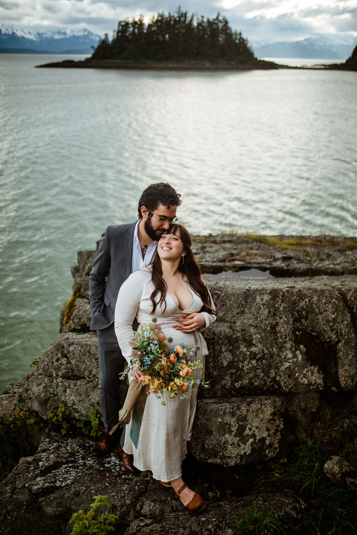 Intimate Alaska Summer Solstice Elopement – Sydney Akagi Photography – Frenchies Floral Studio 11