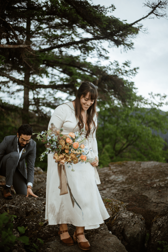 Intimate Alaska Summer Solstice Elopement – Sydney Akagi Photography – Frenchies Floral Studio 12