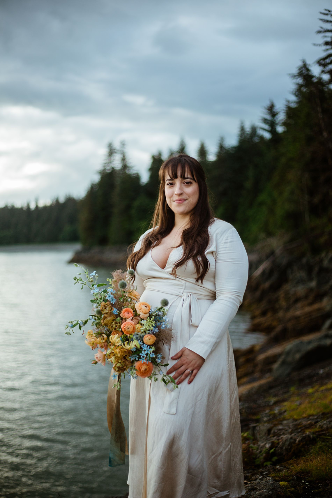 Intimate Alaska Summer Solstice Elopement – Sydney Akagi Photography – Frenchies Floral Studio 17