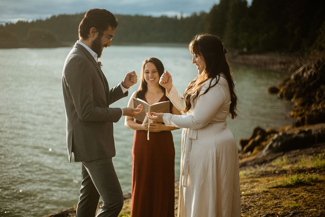 Intimate Alaska Summer Solstice Elopement – Sydney Akagi Photography – Frenchies Floral Studio 2