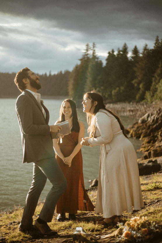 Intimate Alaska Summer Solstice Elopement – Sydney Akagi Photography – Frenchies Floral Studio 22