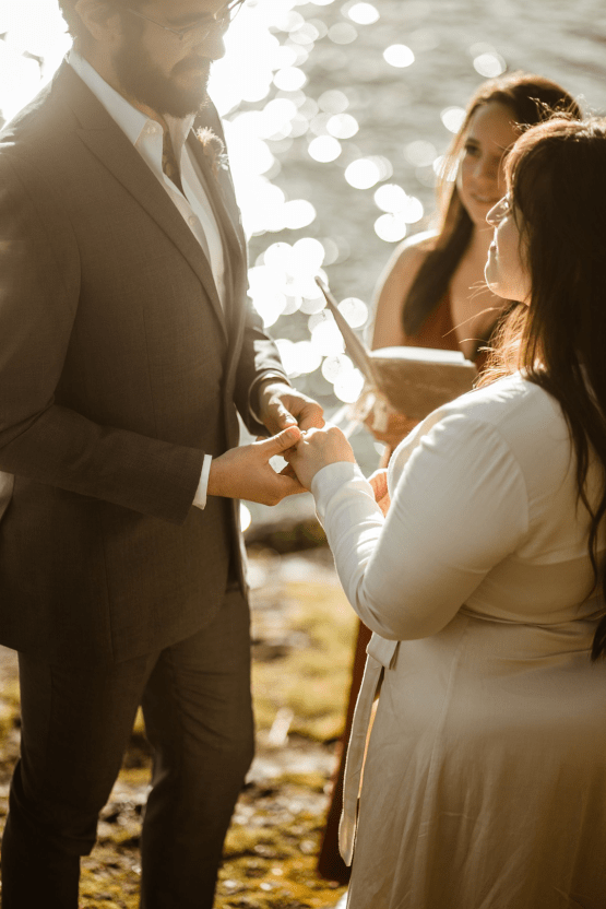 Intimate Alaska Summer Solstice Elopement – Sydney Akagi Photography – Frenchies Floral Studio 23