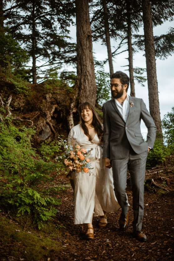 Intimate Alaska Summer Solstice Elopement – Sydney Akagi Photography – Frenchies Floral Studio 26