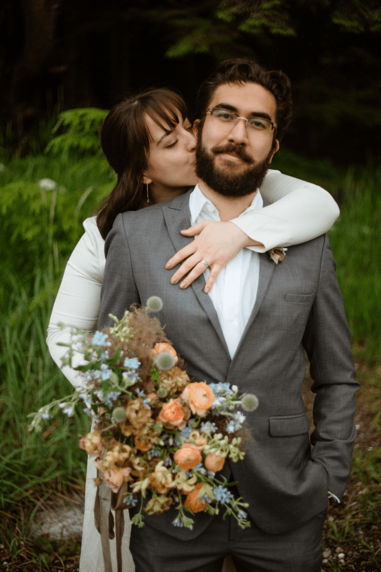 Intimate Alaska Summer Solstice Elopement – Sydney Akagi Photography – Frenchies Floral Studio 28