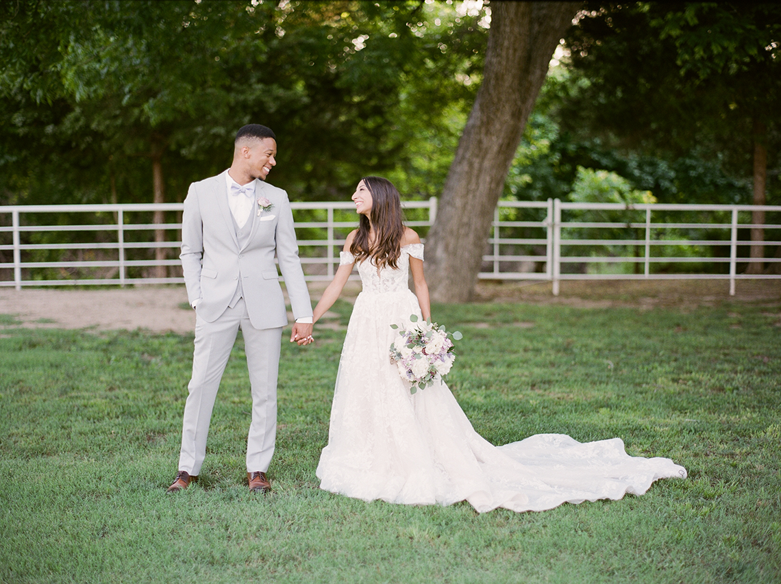 Sweet Lilac Countryside Wedding with a Rice Krispie Treat Cake – Andria Lea – Firefly Gardens 10
