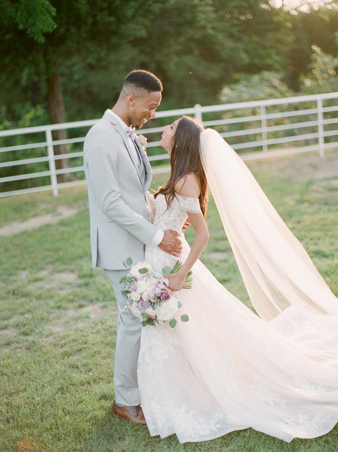 Sweet Lilac Countryside Wedding with a Rice Krispie Treat Cake – Andria Lea – Firefly Gardens 20
