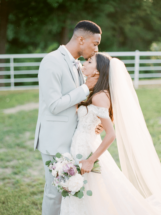 Sweet Lilac Countryside Wedding with a Rice Krispie Treat Cake – Andria Lea – Firefly Gardens 23