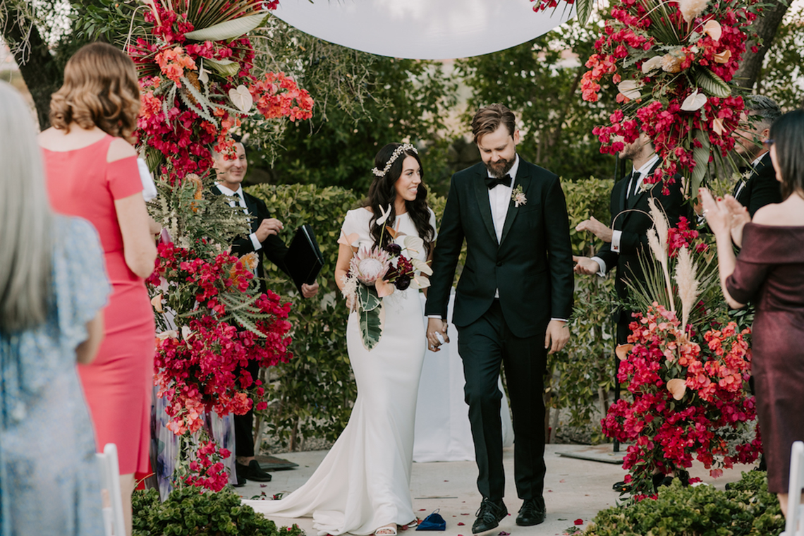 Ultra-Stylish Palm Springs Wedding with Modern Black Details – Frederick Loewe Estate – Mary Claire Roman 13