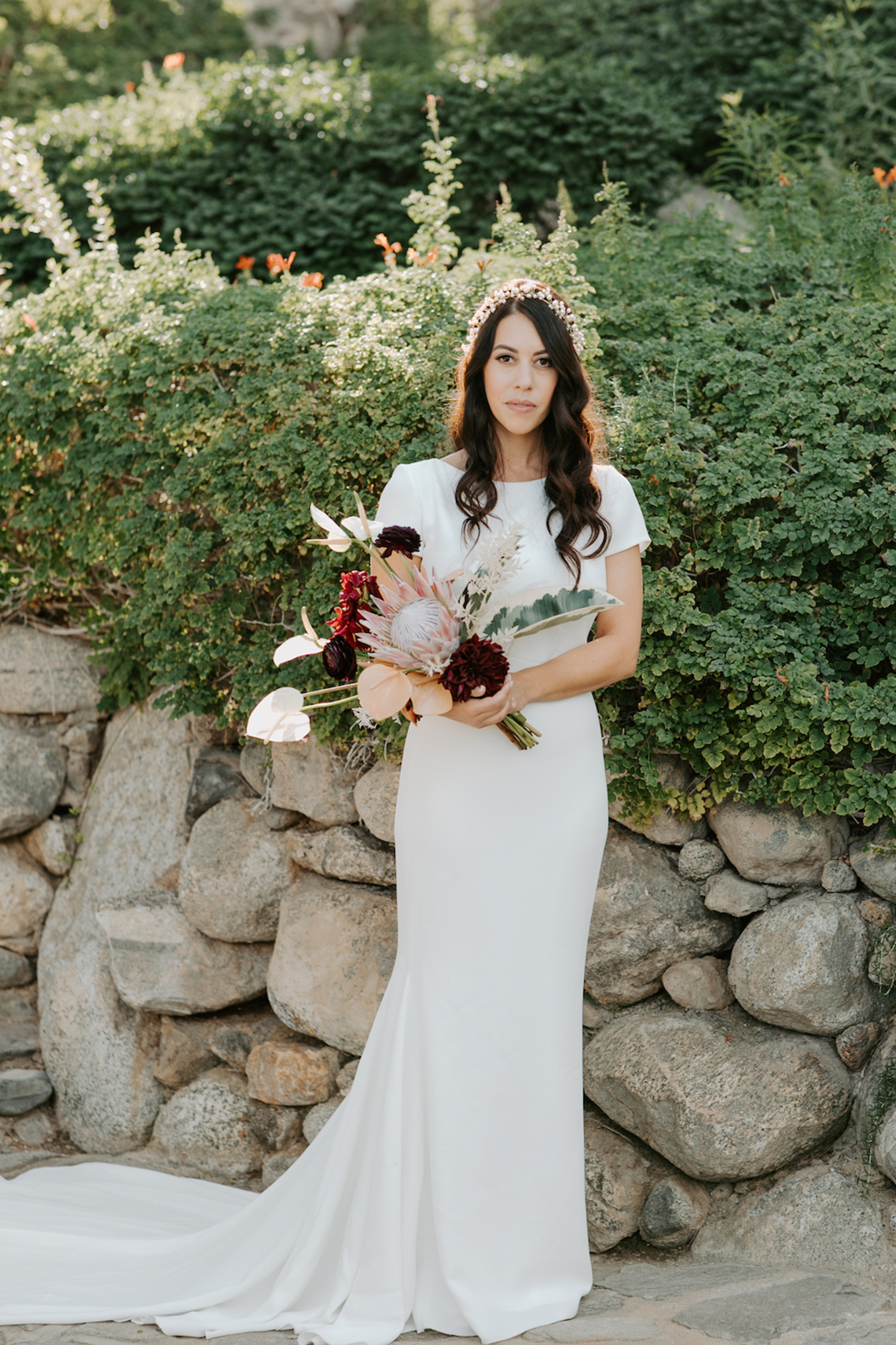 Ultra-Stylish Palm Springs Wedding with Modern Black Details – Frederick Loewe Estate – Mary Claire Roman 37