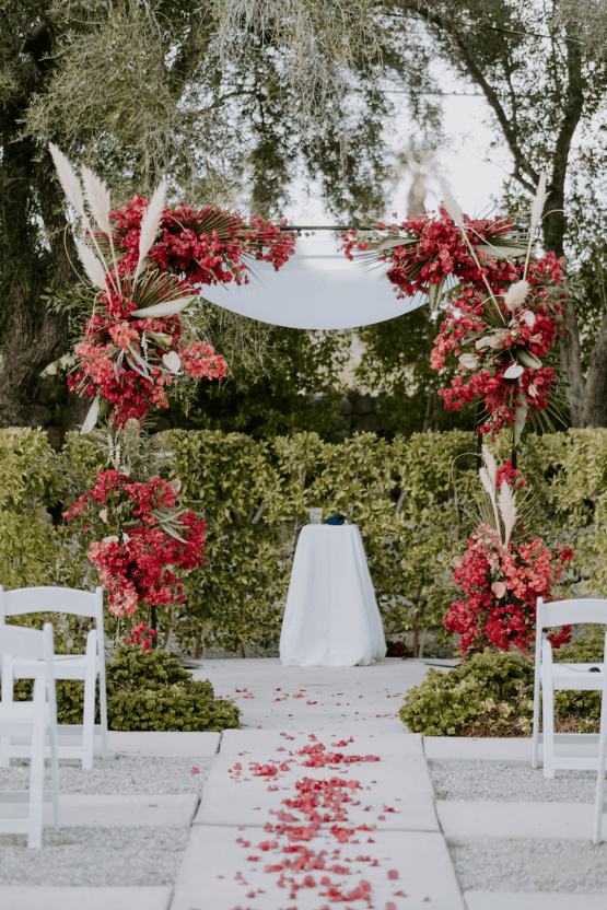 Ultra-Stylish Palm Springs Wedding with Modern Black Details – Frederick Loewe Estate – Mary Claire Roman 40