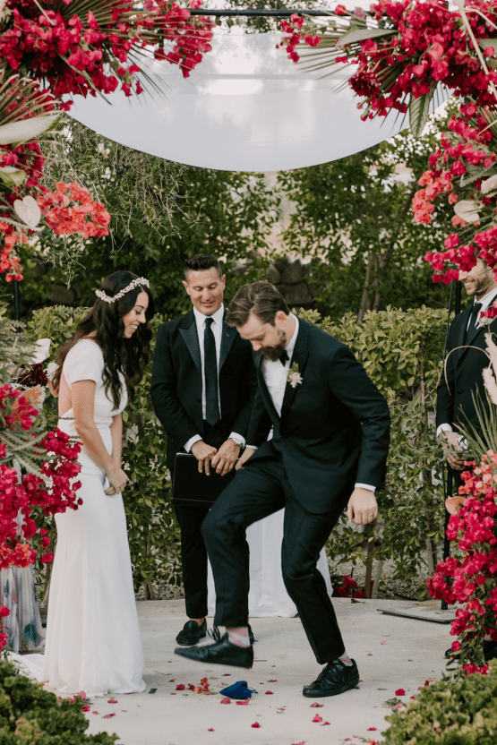 Ultra-Stylish Palm Springs Wedding with Modern Black Details – Frederick Loewe Estate – Mary Claire Roman 51