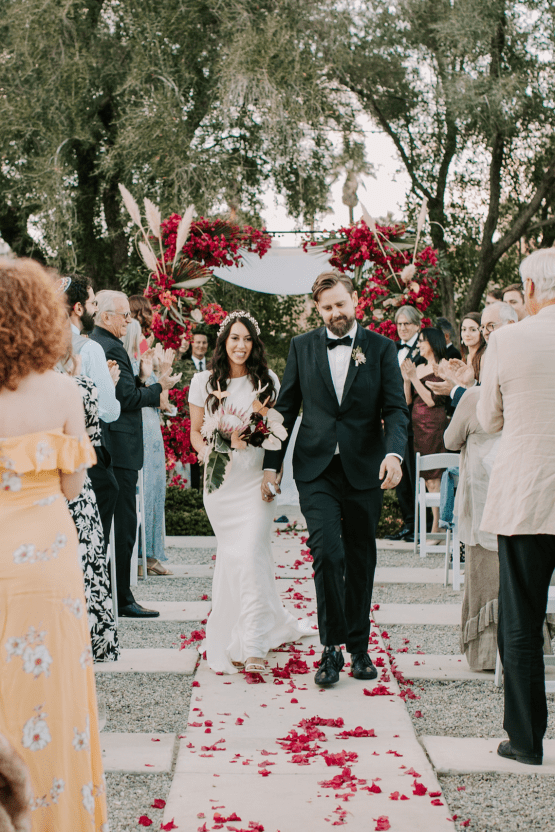 Ultra-Stylish Palm Springs Wedding with Modern Black Details – Frederick Loewe Estate – Mary Claire Roman 53