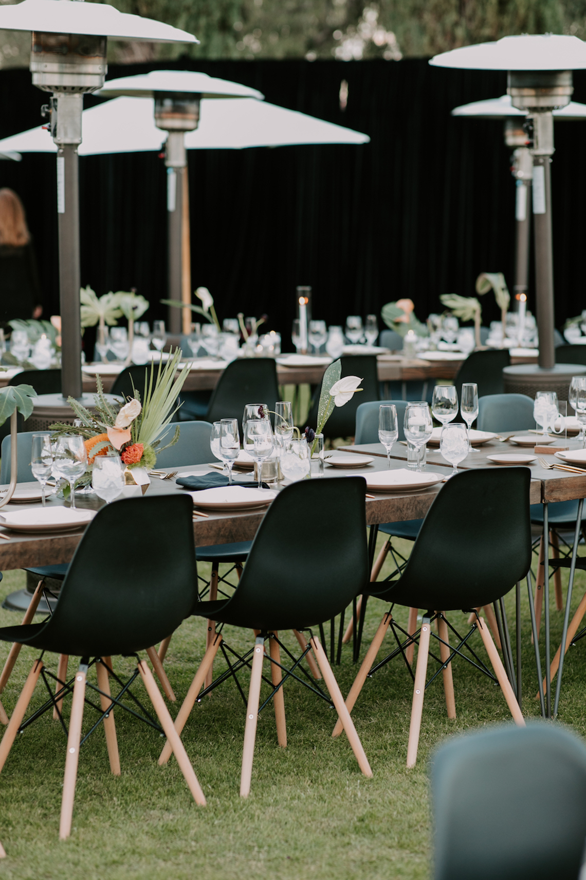 Ultra-Stylish Palm Springs Wedding with Modern Black Details – Frederick Loewe Estate – Mary Claire Roman 56