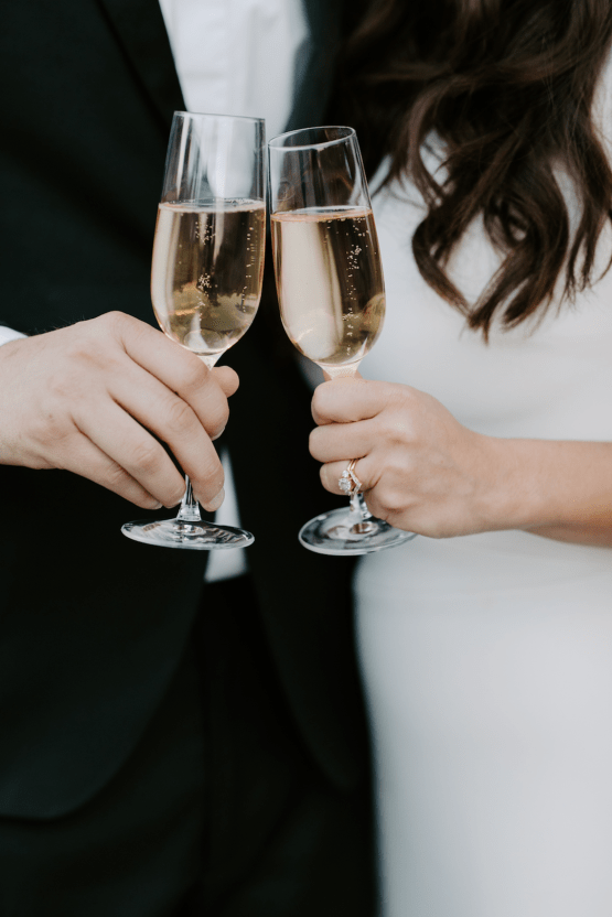 Ultra-Stylish Palm Springs Wedding with Modern Black Details – Frederick Loewe Estate – Mary Claire Roman 58