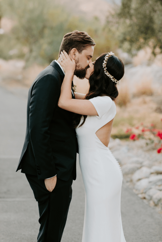 Ultra-Stylish Palm Springs Wedding with Modern Black Details – Frederick Loewe Estate – Mary Claire Roman 60