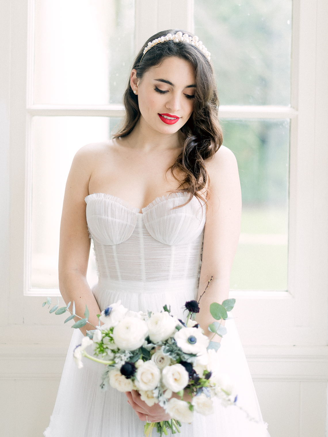Upscale English Wedding Inspiration at Pylewell Park – Julie Michaelsen Photography 27