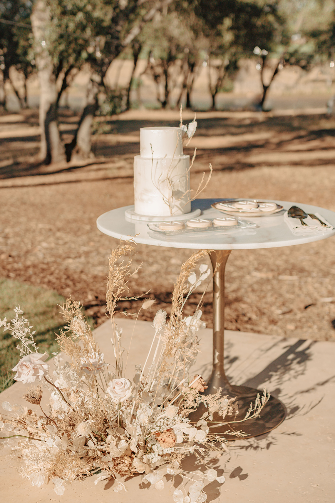 Autumn Neutral-toned Wedding Inspiration – Carly Peterson Creative 15