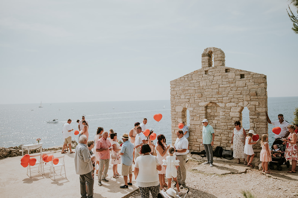 Casual Beach Wedding in Pula Croatia – Lukart Photography – Weddings in Croatia 1