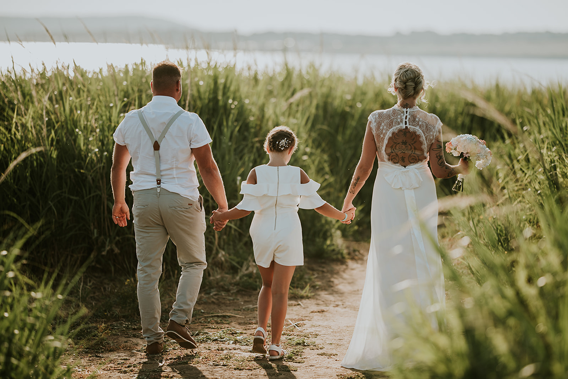 Casual Beach Wedding in Pula Croatia – Lukart Photography – Weddings in Croatia 12