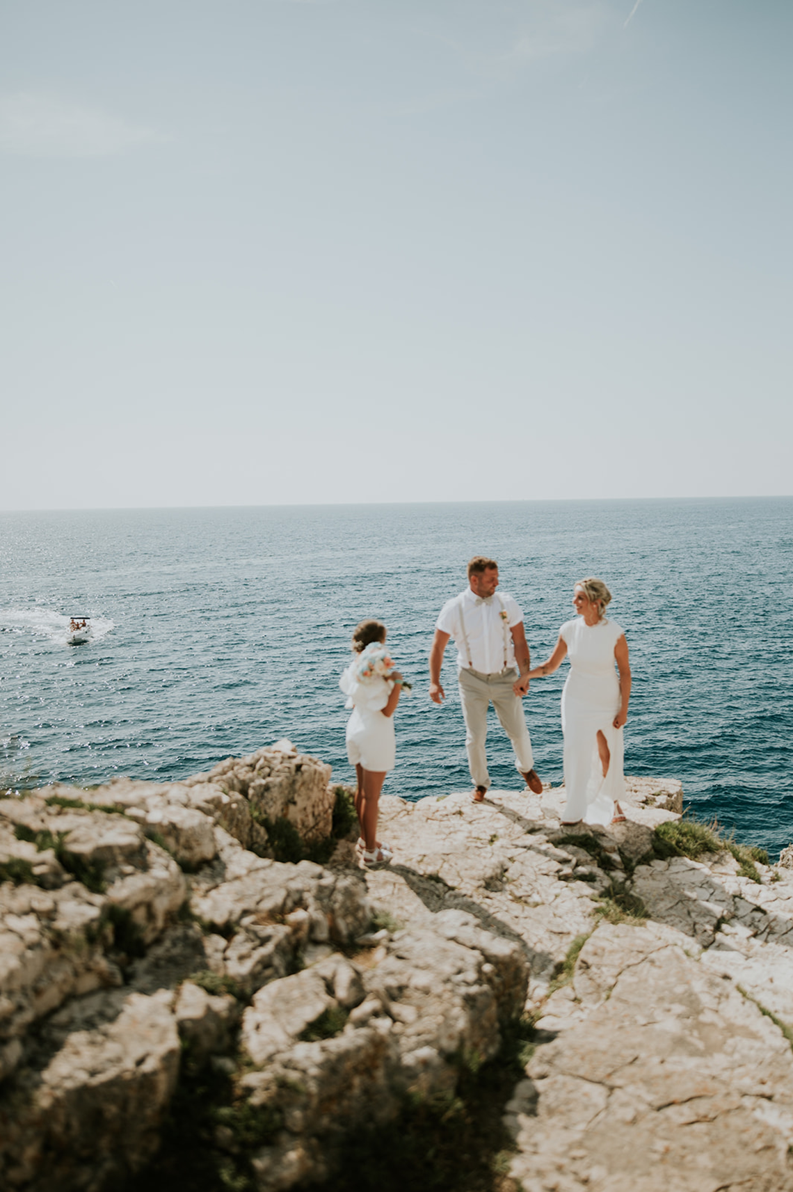 Casual Beach Wedding in Pula Croatia – Lukart Photography – Weddings in Croatia 18