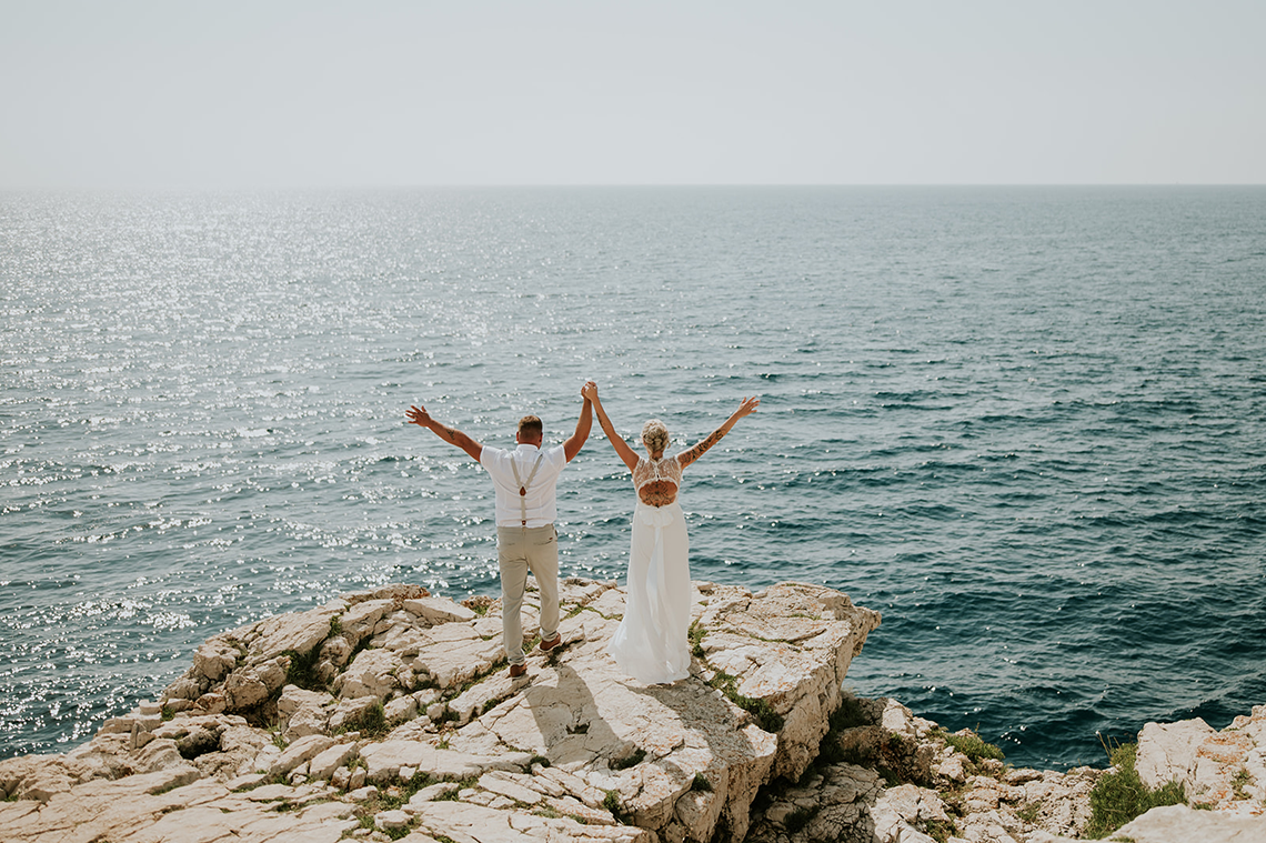 Casual Beach Wedding in Pula Croatia – Lukart Photography – Weddings in Croatia 6