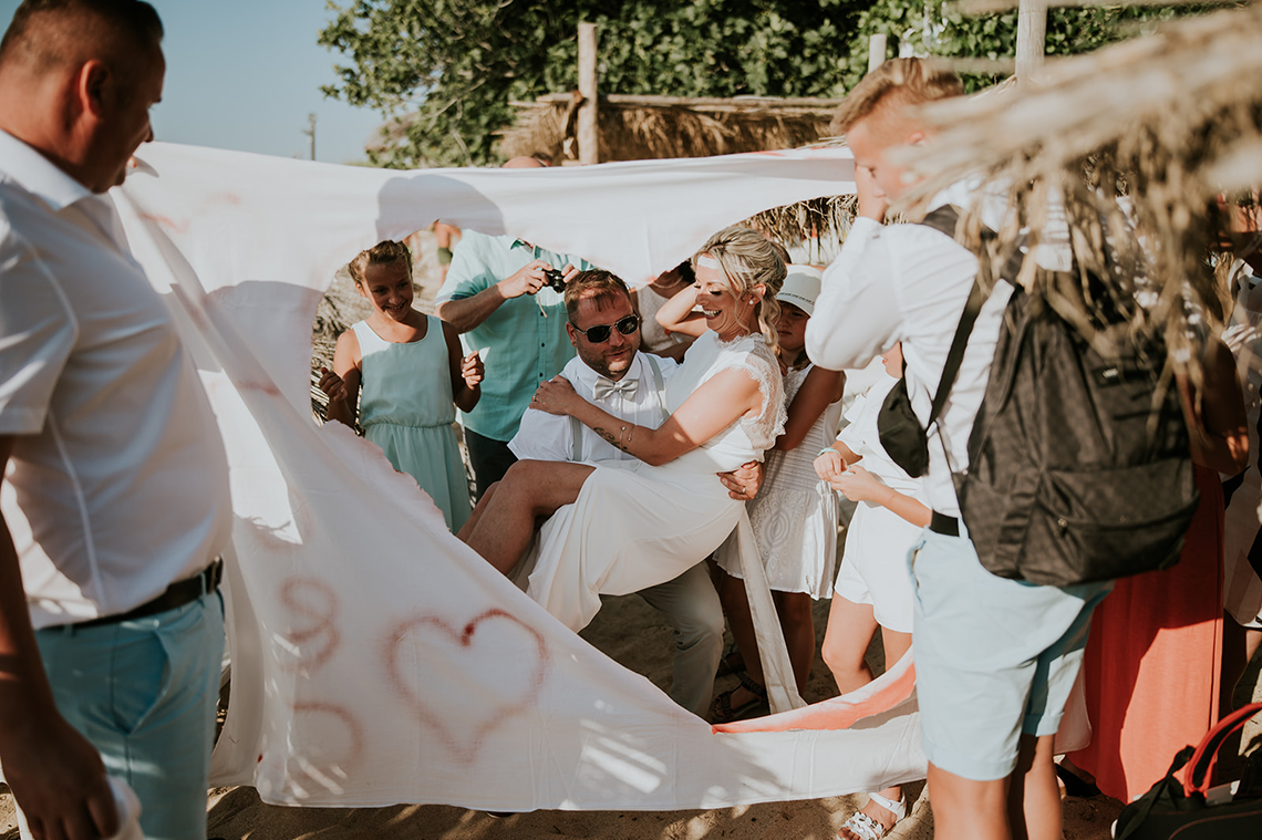Casual Beach Wedding in Pula Croatia – Lukart Photography – Weddings in Croatia 9