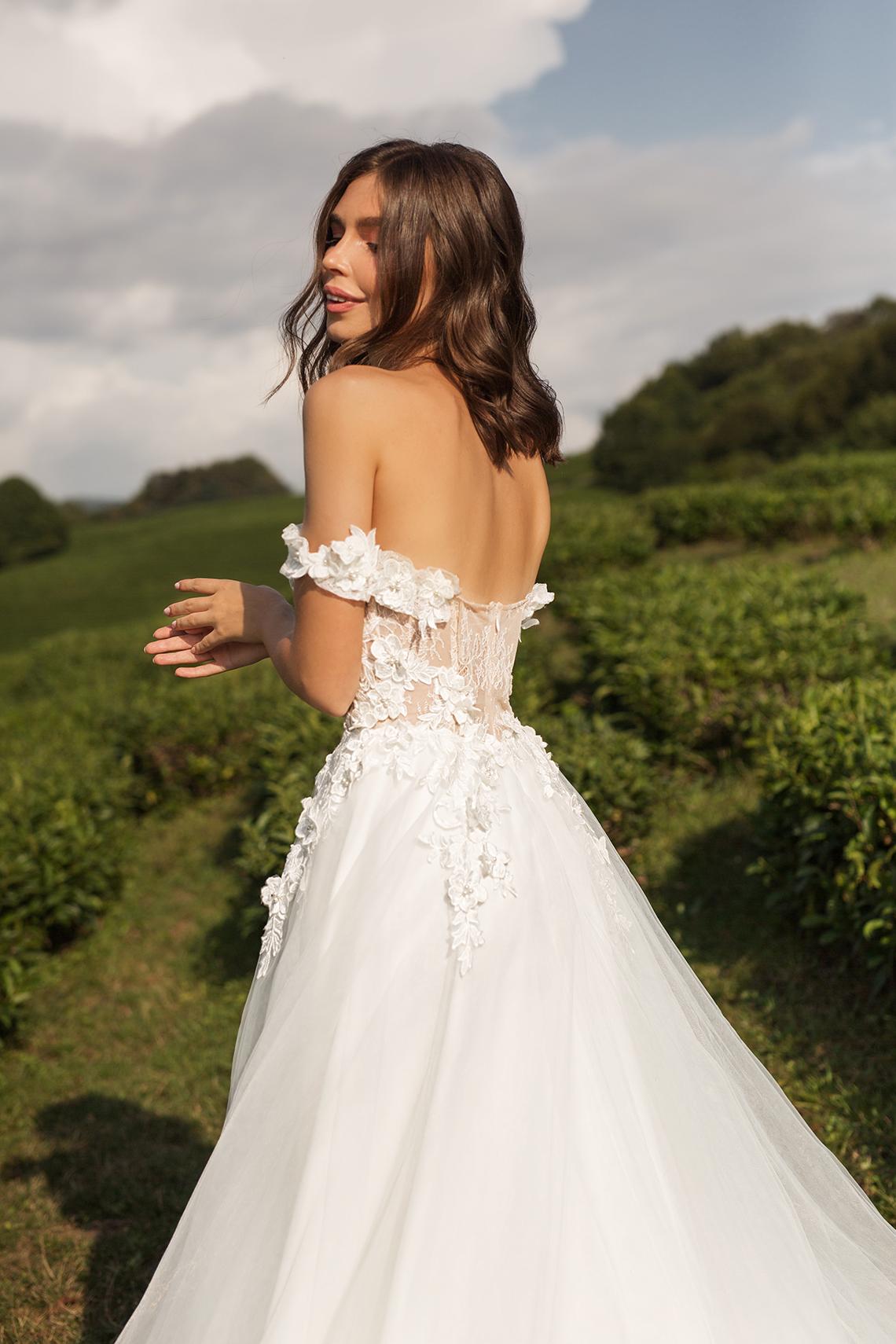 Feminine Simple Minimalistic Wedding Dresses by Mila Bridal 2020 2021 – Bridal Musings 1