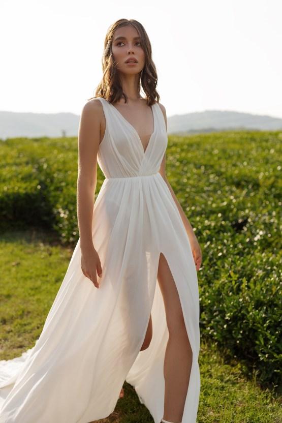 Feminine Simple Minimalistic Wedding Dresses by Mila Bridal 2020 2021 – Bridal Musings 10