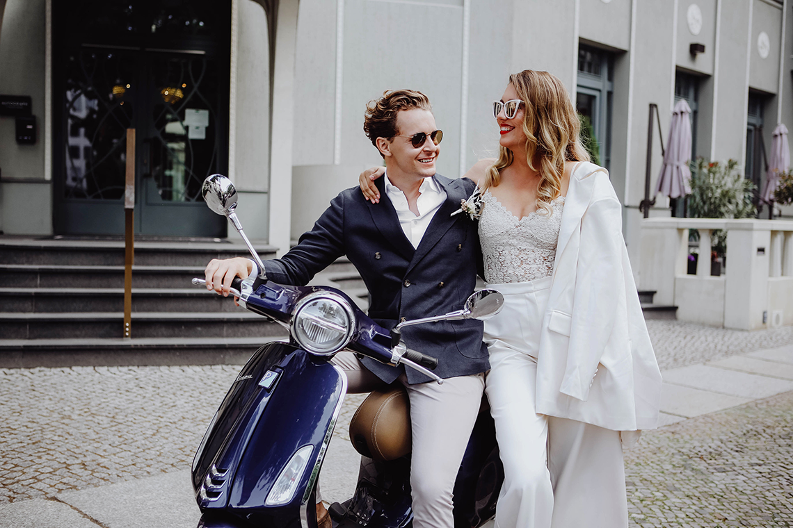 Stylish Berlin Elopement Inspiration – Anastasia Conze Weddings and Events – Adela Dupetit von O Dear 1
