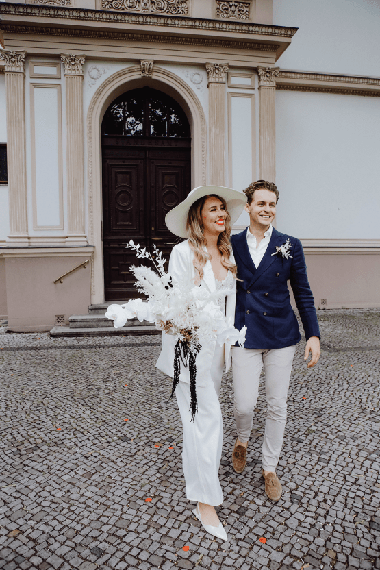 Stylish Berlin Elopement Inspiration – Anastasia Conze Weddings and Events – Adela Dupetit von O Dear 17
