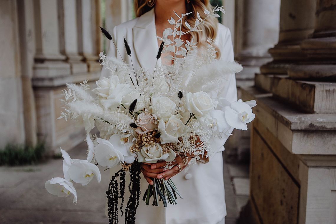 Stylish Berlin Elopement Inspiration – Anastasia Conze Weddings and Events – Adela Dupetit von O Dear 3