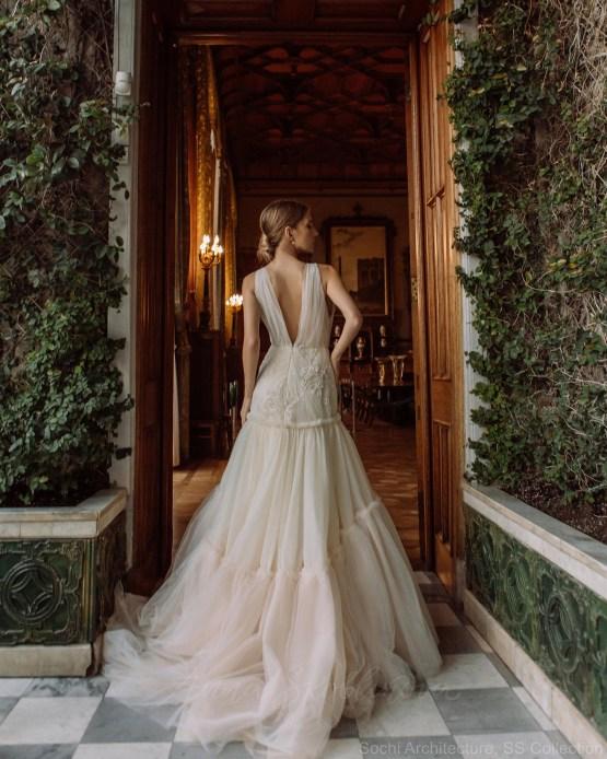 Anna Skoblikova – The Best Wedding Dress Designers on Etsy – Bridal Musings 1