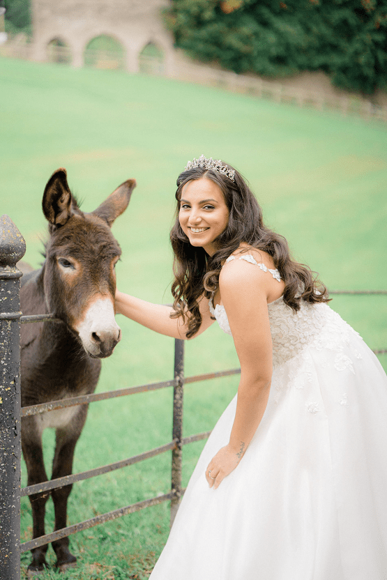 Fairytale Royal English Wedding Inspiration at Clearwater Castle – Sara Cooper Photography – Smitten Weddings 24