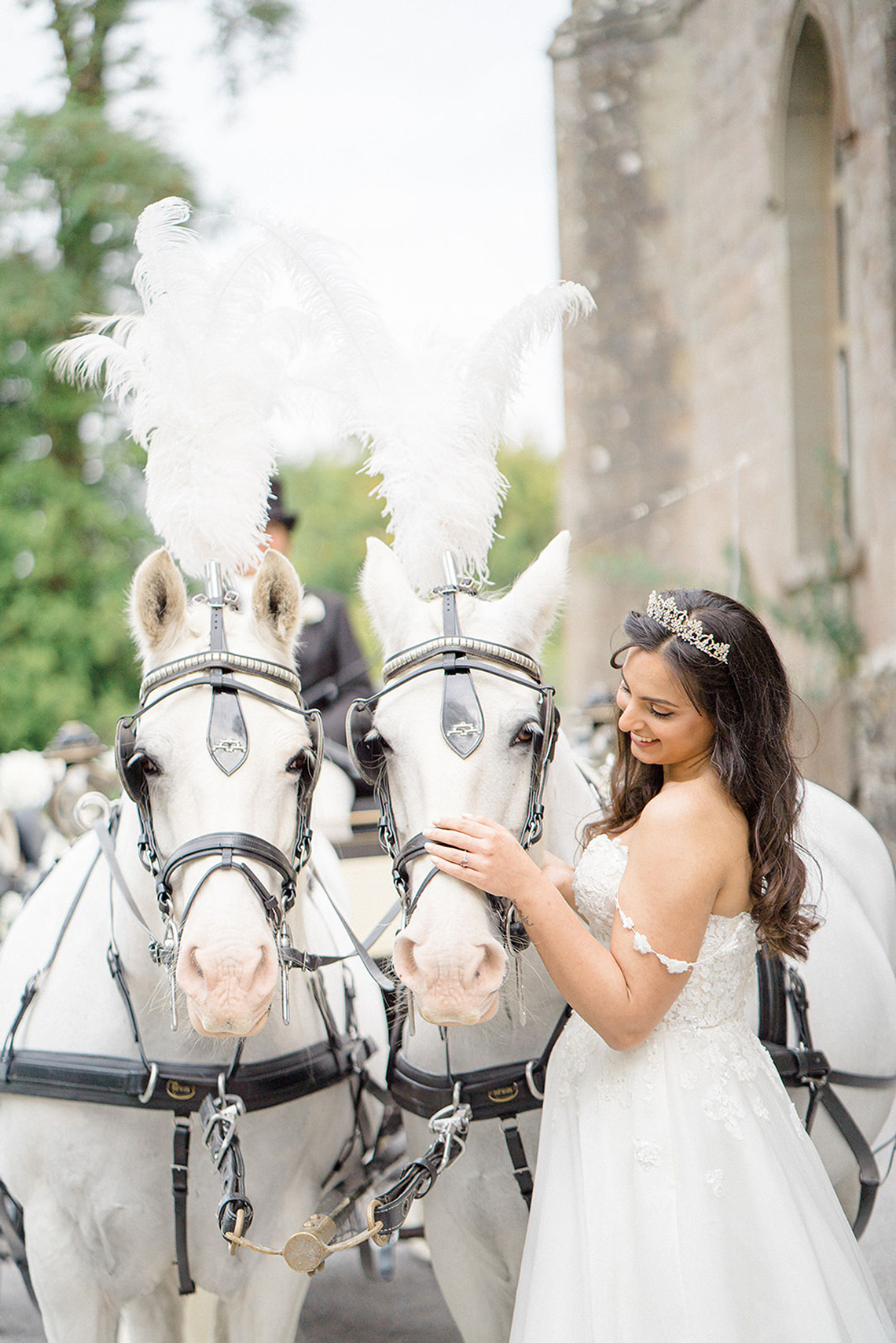 Fairytale Royal English Wedding Inspiration at Clearwater Castle – Sara Cooper Photography – Smitten Weddings 34