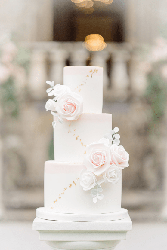 Fairytale Royal English Wedding Inspiration at Clearwater Castle – Sara Cooper Photography – Smitten Weddings 39