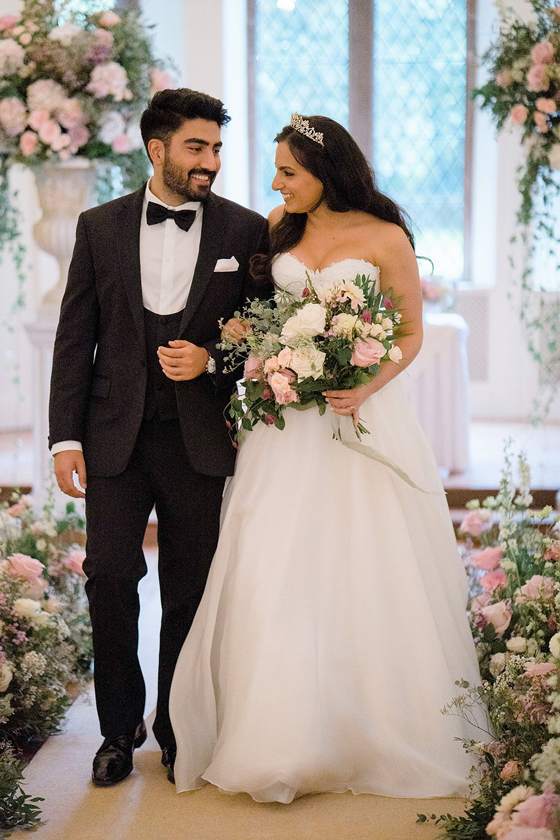 Fairytale Royal English Wedding Inspiration at Clearwater Castle – Sara Cooper Photography – Smitten Weddings 45